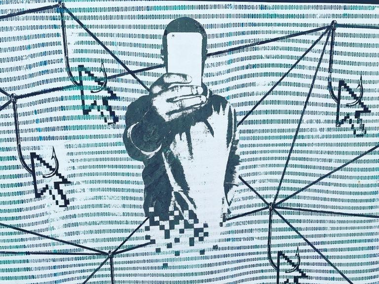 2017 - NotNotCamScott - Clickbait - Detail